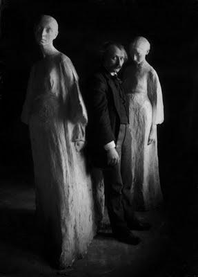 2. Xawery Dunikowski z Kobietami brzemiennymi IV i V, fot. Józef Kuczyński, własność Muzeum Narodowe w Warszawie